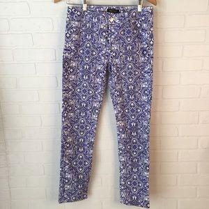WHBM blue print ankle jeans 6R